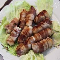 *【朝食バイキング一例】長ネギの肉巻き。クセになるタレ…♪