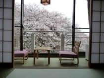 月の棟 和室10畳(桜)