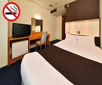 禁煙セミダブルルーム(Bed140×195cm)