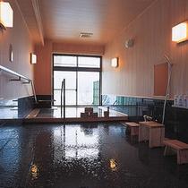 貸切檜風呂 5〜6名様も入れる貸切風呂