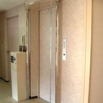 館内エレベーター
