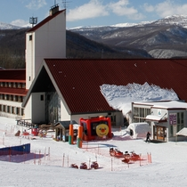 *[八幡平ウィンターランド]そりやスノーモービルなど、お子さまと一緒に雪遊びを楽しめます!