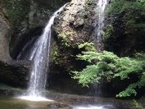 月待の滝(茨城県大子町)