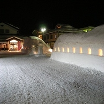 雪祭りのころの駅前