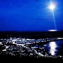 釜臥山夜景・満月