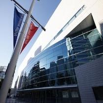 ★横浜アリーナ★・・・当ホテルより徒歩10分。イベントやライブがある日は大変な賑わいを見せます。