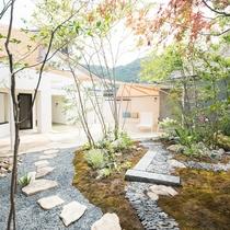 女性大浴場『紅梅の湯』露天風呂 庭園