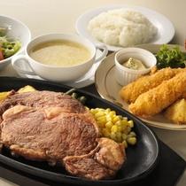 【ご夕食】            ステーキwithエビフライ