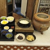 【ご朝食メニュー】       新潟産コシヒカリを美味しくお召上がりください。