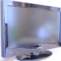 【液晶TV】          全客室に19型TVを設置。ゆったりとご覧いただけます
