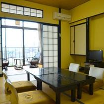 旧館和室8畳のお部屋一例。のんびりとお過ごしください。