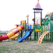 鴨川河畔公園