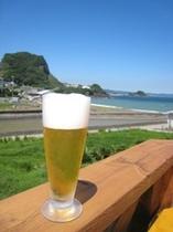 テラスでビールは最高!