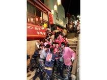 伊香保祭りの樽神輿