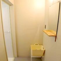 *大広間にお泊りの方用にシャワーブースもご用意いたしております。