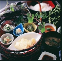 ご朝食(和食 花鳥) ※写真はイメージです。