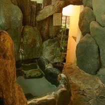 銘石岩風呂