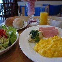 【朝食 洋食一例】宿泊状況によりバイキングになる場合もございますのであらかじめご了承くださいませ。