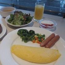 【朝食 洋食一例】卵料理は目玉焼き、オムレツ、スクランブルエッグの中からお好きな調理法をご選択