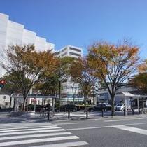 【駅周辺】駅から徒歩1分です。心地よい風を感じる事が出来ます。