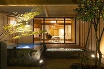露天風呂付き客室 夜景(お部屋のようす)
