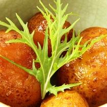 夕食にお出ししている芋の煮っ転がしのイメージです
