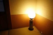 夢、寿のお部屋の有田焼きのスタンド