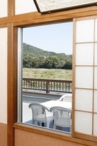 寿の部屋から中津川方面の景色
