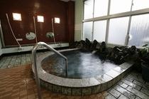 館内の岩風呂