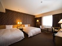 24㎡ 140㎝幅のベッド2台の広々ツインルーム