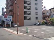 松美本館 駐車場