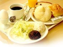 大人気の無料ご朝食