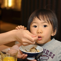 ファミリープラン◆お得な「お子様定額」プラン!ビュッフェか部屋食、お子様に合わせてお選びください♪