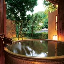 露天風呂付◆貴賓室 曲水亭-桐壷-◆和洋室91.3平米 1室限定の貴賓室。 ※チェックアウト:12時