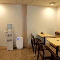 喫煙コーナー◆お部屋以外での喫煙には、游月山荘、姉妹館・鴻朧館ともに売店横の喫煙室をご利用下さい。