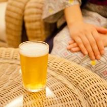 姉妹館・鴻朧館 大浴場前「湯上がりサロン」◆毎日17時~19時、お一人様一杯生ビールサービス実施中!