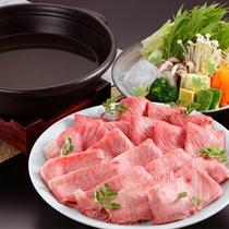 月光園オリジナル「銀泉鍋」◆有馬の銀泉に見立てた、塩仕立てのさっぱりとしたお鍋です。