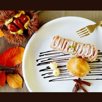 ◆9・10月限定デザート◆ マロンムースとまるごと栗のパイ包み