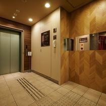 【エレベーターホール】1F