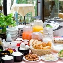 大好評の無料朝食サービス(6:30〜9:00)