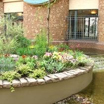 【モネズガーデン】ようこそ、癒しのガーデンホテルへ。庭がもたらすうるおいを存分に
