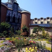【イングリッシュガーデン】ようこそ、癒しのガーデンホテルへ。庭がもたらすうるおいを存分に
