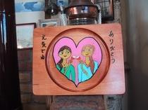 シラカバの木板に描くイラスト絵