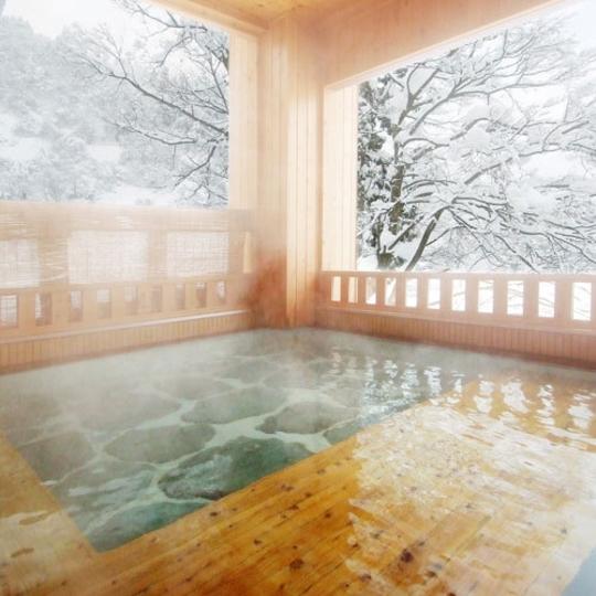 雪見露天が楽しめる婦人露天風呂 写真提供:楽天トラベル