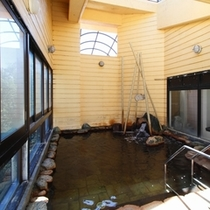 露天風 風呂【汐騒の湯】女湯/日頃の疲れと非日常を味わうにはピッタリのお風呂です。