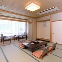 【和室10畳】一例/静かで落ち着いた和室10畳は、ご家族で、お仲間でお過ごしいたくにはぴったりです。