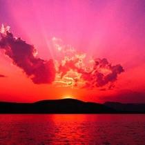 夕日が日本海に沈むこの絶景、見にいらっしゃいませんか?