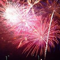 【近隣イベント/色彩音楽花火】夏の風物詩!鮮やかな色彩花火が音楽に合わせて打ち上がります。※例年8月