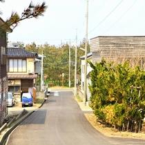 5.ホテルから海への近道。ここからはまっすぐです!