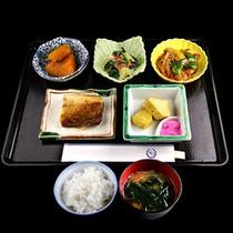 ■朝食■タイプ1 焼き魚をメインにした朝食です